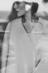 Zoey Deutch - Social Media 05/04/2020