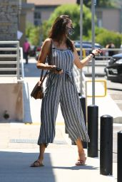 Alessandra Ambrosio Outfit 06/04/2020