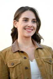 """Alison Brie - Crive-in Screening of """"The Rental"""" in the City of Industry 06/18/2020"""
