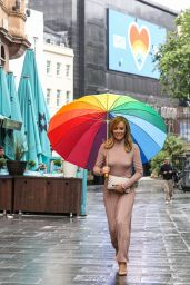 Amanda Holden Braless in a Clinging Dusk Pink Dress - London 06/10/2020