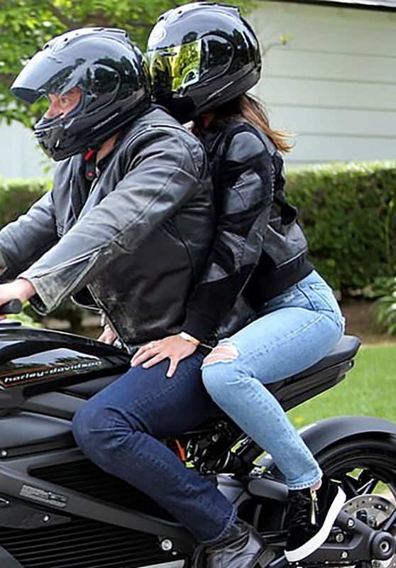 Ana De Armas and Ben Affleck Took a Joy Ride in LA 05/31/2020