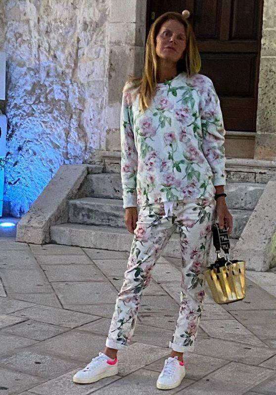 Anna Dello Russo Outfit 06/08/2020