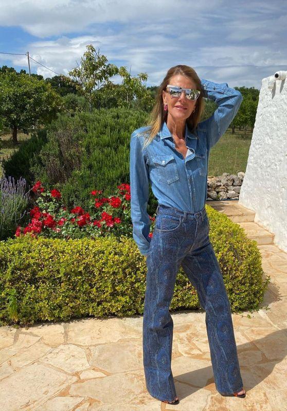 Anna Dello Russo Outfit 06/10/2020