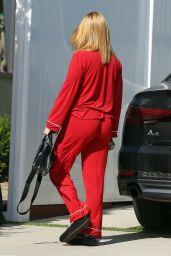 Ariel Winter in Her Pyjamas - Arrives Home in LA 06/07/2020