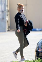 Ariel Winter - Leaves a Gym in LA 06/22/2020