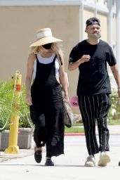 Ashlee Simpson - Don Cuco Mexican Restaurant in Los Angeles 06/15/2020