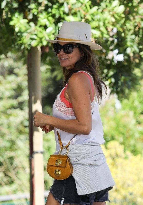 Brooke Burke - Shopping in Malibu 06/13/2020
