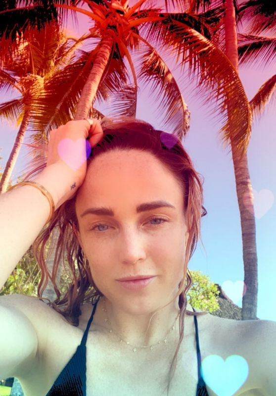Caity Lotz - Social Media Photo 06/19/2020