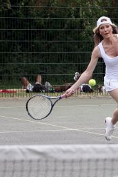 Caprice Bourret in All White Ensemble - Enjoy a Game of Tennis in London 06/05/2020