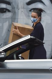Charli XCX at a Framing Store in LA 06/25/2020