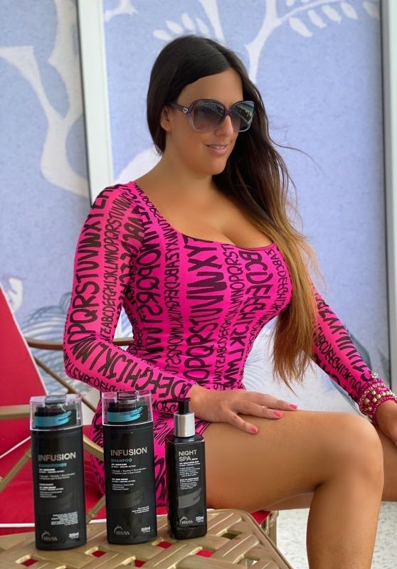 Claudia Romani in a Neon Pink Dress and High Heels - Miami 06/20/2020