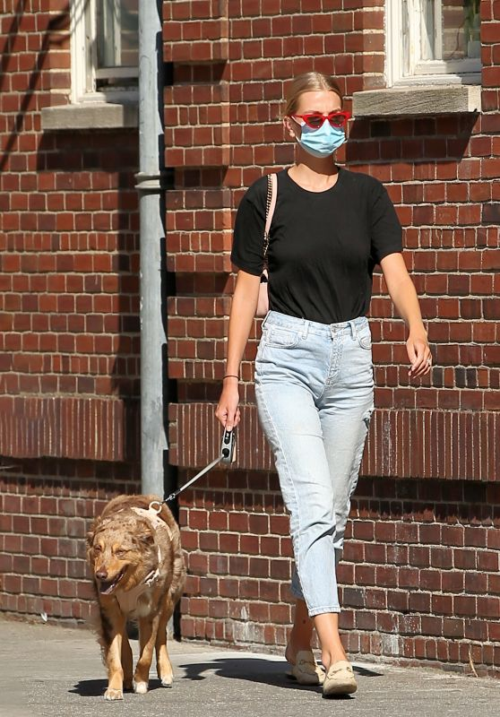 Daphne Groeneveld - Walks Her Dog in New York City 06/24/2020