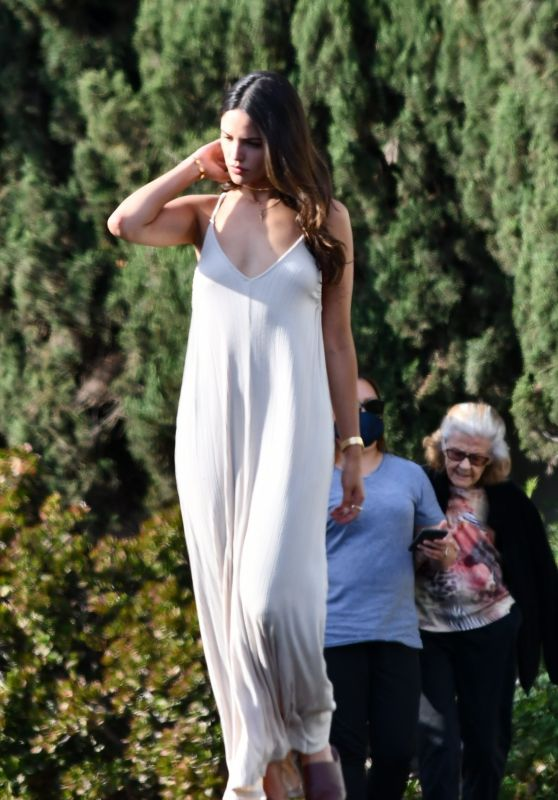 Eiza Gonzalez in a White V-Neck Frock 05/16/2020