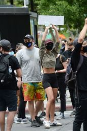Emily Ratajkowski - Black Lives Matter Protest in LA 06/02/2020