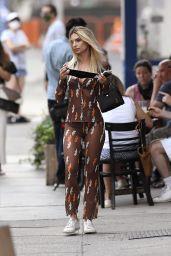 Emily Ratajkowski Outfit 06/26/2020