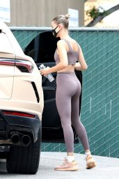 Hailey Bieber in a Mauve Sports Bra and Matching Leggings - Out in LA 06/20/2020