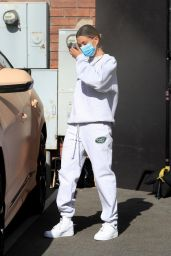 Hailey Bieber in Comfy Sweatshirt - West Hollywood 06/29/2020