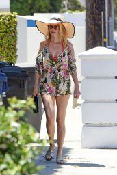 Heather Graham at a Beach House in Malibu 06/11/2020