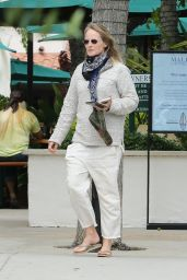 Helen Hunt - Out in Malibu Country 06/18/2020