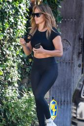 Jennifer Lopez Househunting for a Summer Home in Malibu 06/14/2020