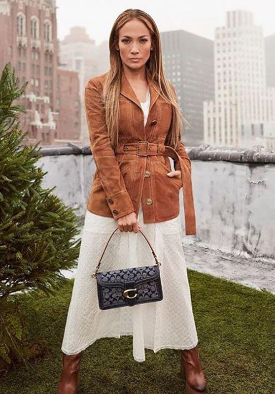 Jennifer Lopez Outfit 05/28/2020