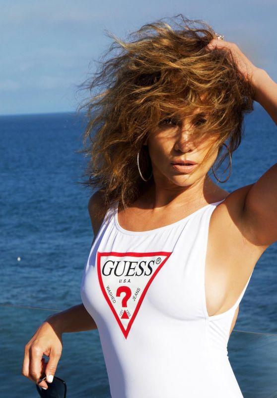 Jennifer Lopez Outfit 06/22/2020
