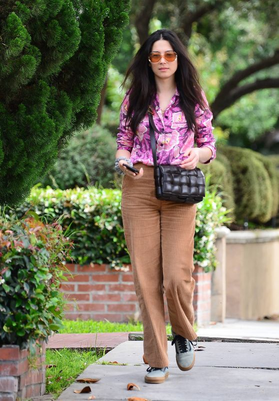 Jessica Gomes - Out in LA 06/02/2020