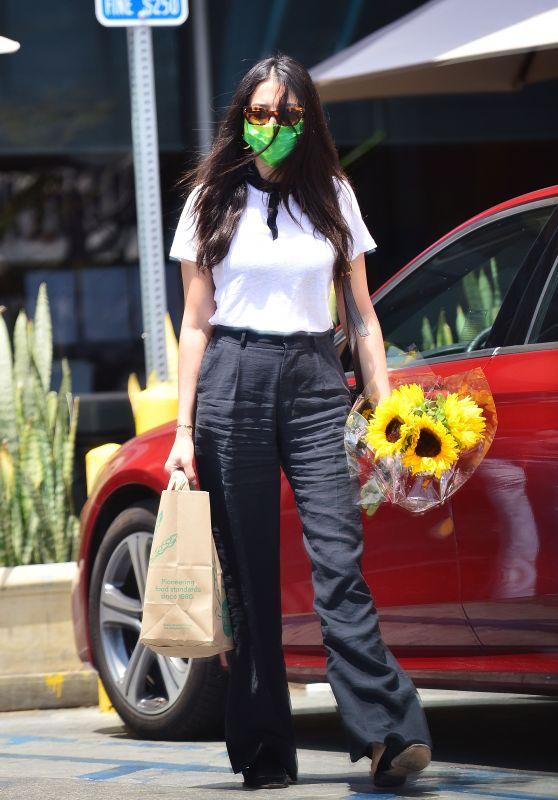 Jessica Gomes Street Style 06/29/2020