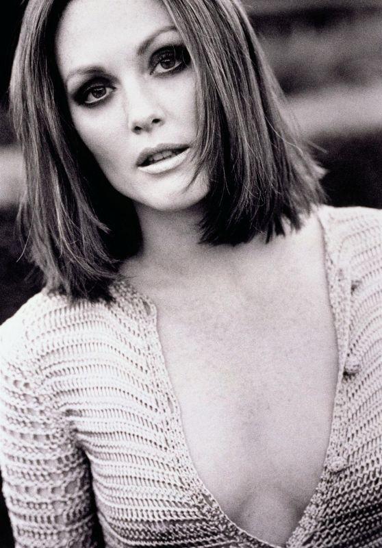 Julianne Moore - Photoshoot 1997