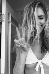 Kari Riley - Personal Photos 06/08/2020