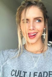 Kari Riley - Social Media Photos 06/04/2020