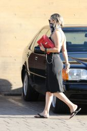 Kate Hudson - Arrives at Nobu in Malibu 06/10/2020