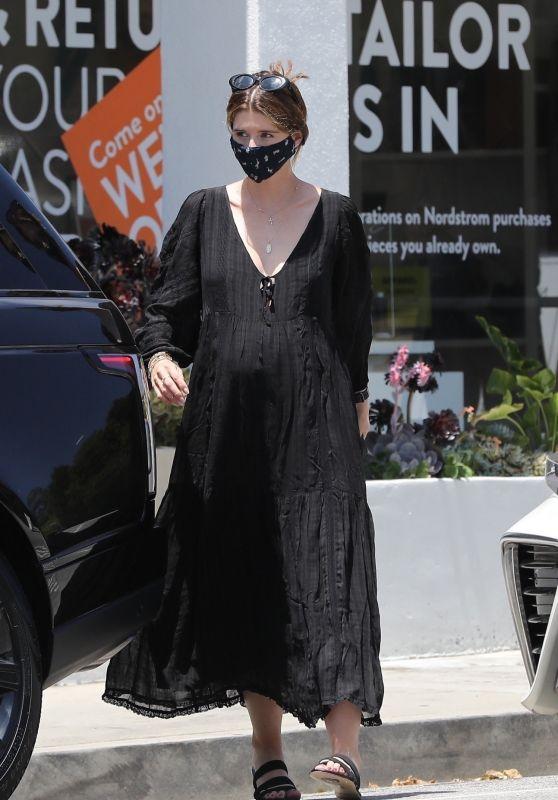 Katherine Schwarzenegger - Makes a Stop at Starbucks in LA 06/22/2020