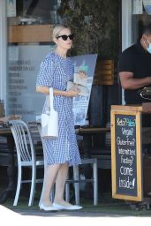 Kelly Rutherford - Out in Santa Monica 06/10/2020
