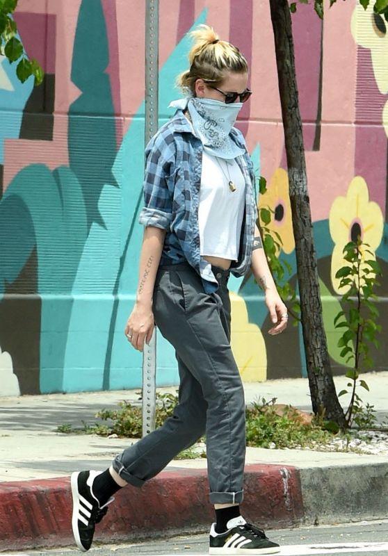 Kristen Stewart Outfit 06/02/2020