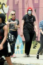 Kristen Stewart - Protesting in Hollywood 06/02/2020