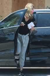 Laura Dern - Out in Brentwood 06/04/2020