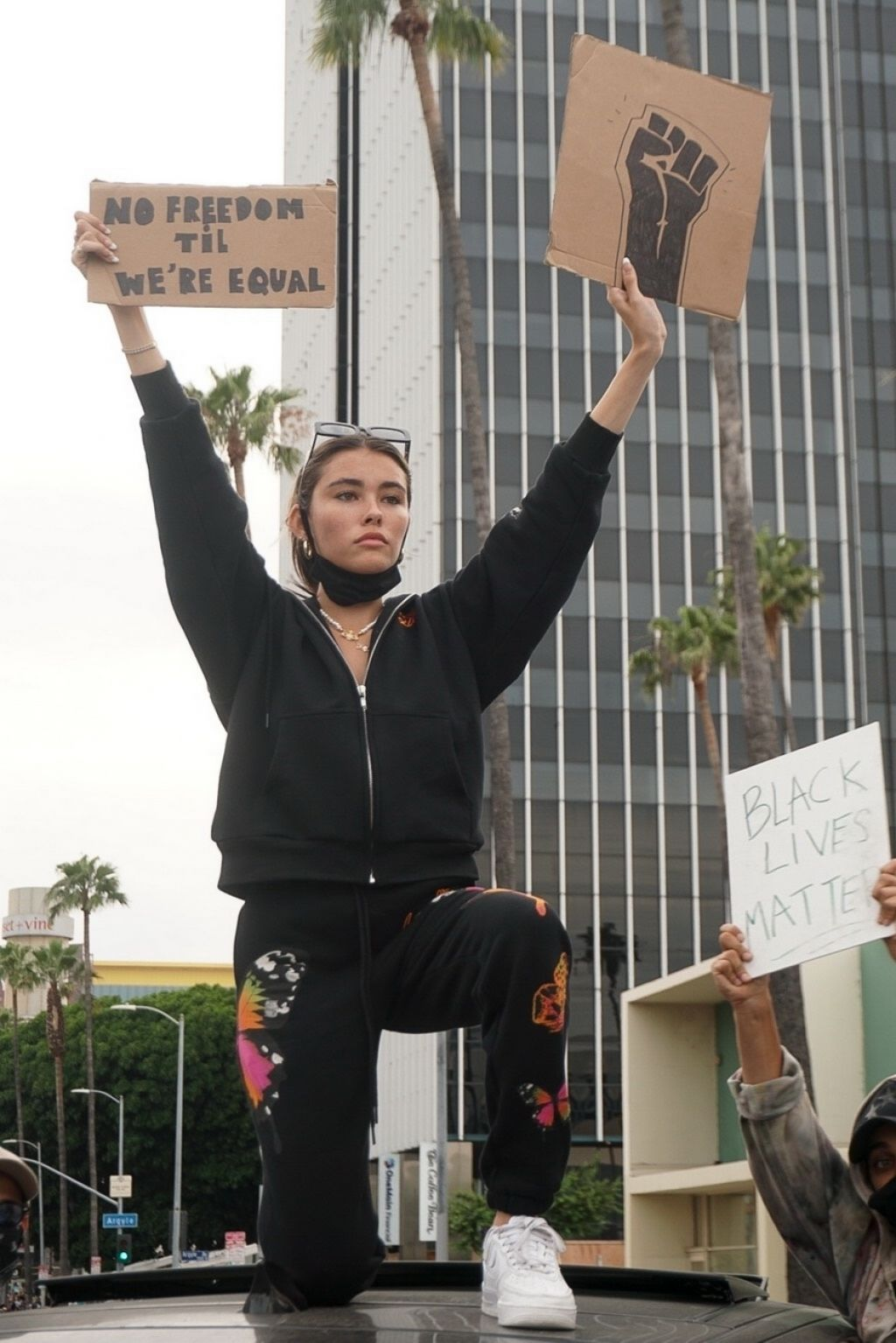 Madison Beer - Protesting in Hollywood 06/01/2020 • CelebMafia