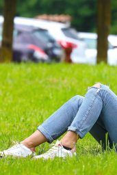 Michelle Hunziker - Relaxes in the Park in Bergamo 06/02/2020
