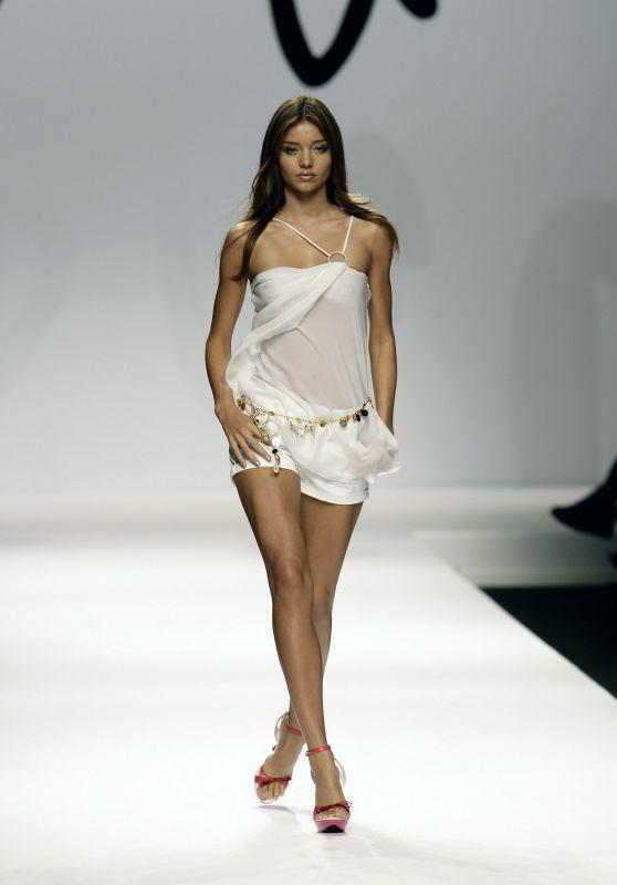 Miranda Kerr - Enrico Coveri S/S 2007 (2006)