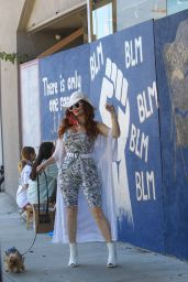 Phoebe Price - BLM Mural Showing Support for George Floyd in Los Angeles 06/09/2020