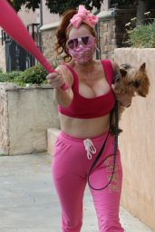 Phoebe Price in all Pink For a Workout 06/02/2020