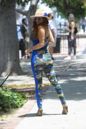 Phoebe Price - Out in Hollywood 006/12/2020
