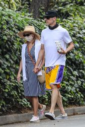 Reese Witherspoon and Jim Toth - Take a Walk to the Farmshop in LA 06/23/2020