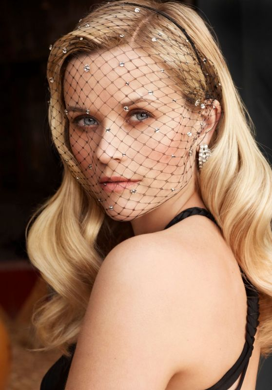 Reese Witherspoon - Photoshoot for Entertainment Weekly Magazine 2011