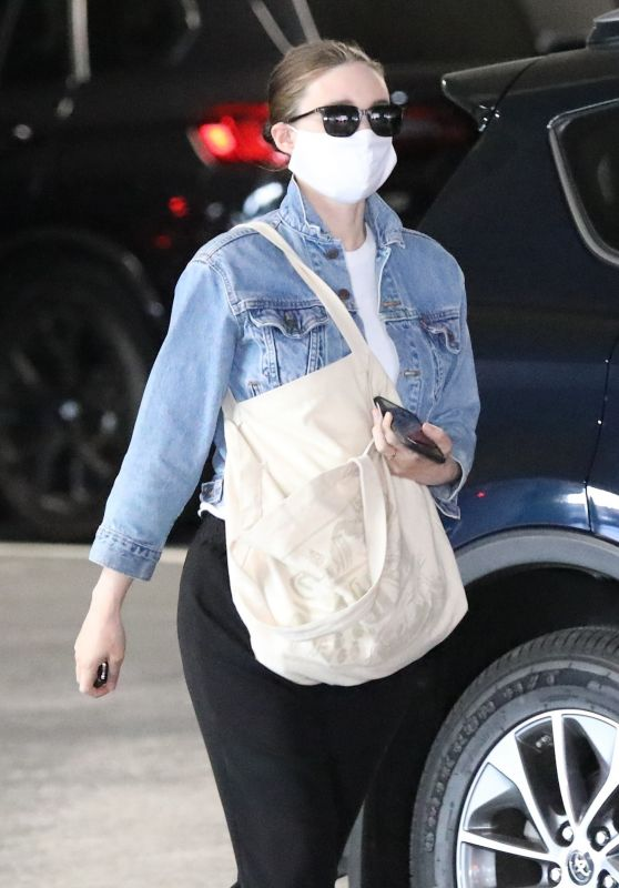 Rooney Mara - Out in Beverly Hills 06/12/2020