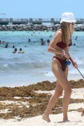 Roosmarijn de Kok in Bikini - Beach in Miami 06/10/2020