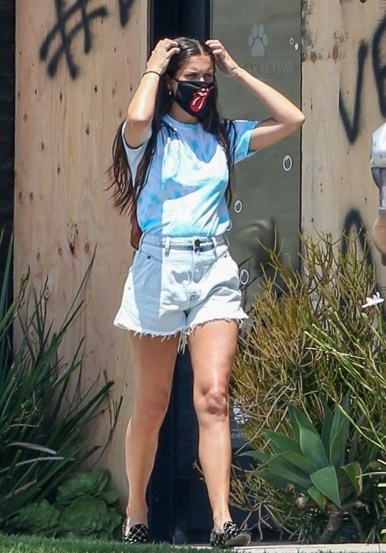 Sara Sampaio in Colorful T-shirt and Light Blue Daisy Dukes 06/04/2020
