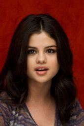 "Selena Gomez - ""Ramona And Beezus"" Press Conference in Beverly Hills"