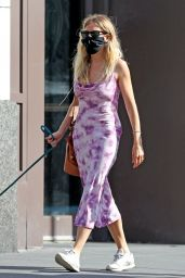 Sienna Miller Outfit 06/18/2020